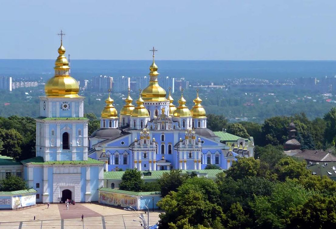 golden-roof Orthodox churches